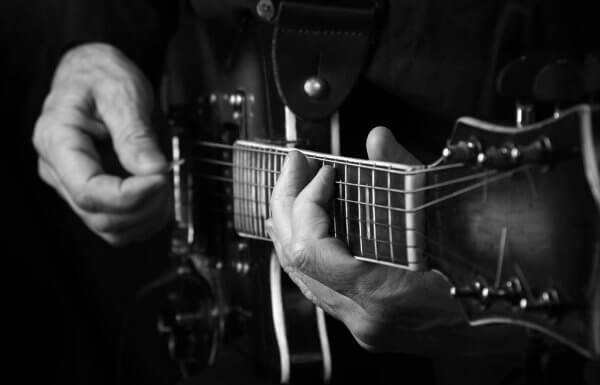 type-of-electro-acoustic-guitars